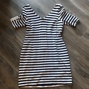 Banana Republic Size 6 Dress. Black and White